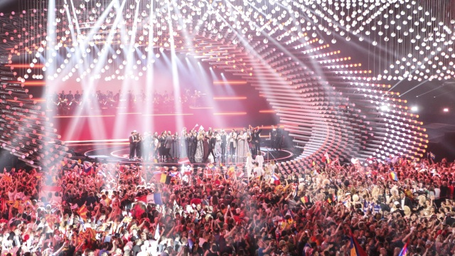 Vienna 2015 Stage (image: EBU/Thomas Hanses)