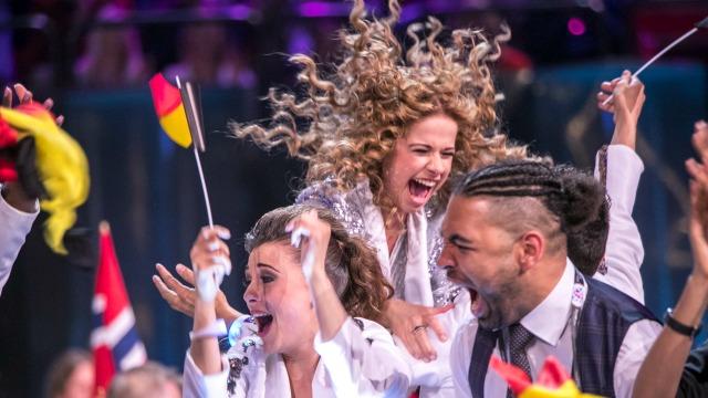 Laura Tesoro - What's The Pressure   Eurovision 2016 Belgium