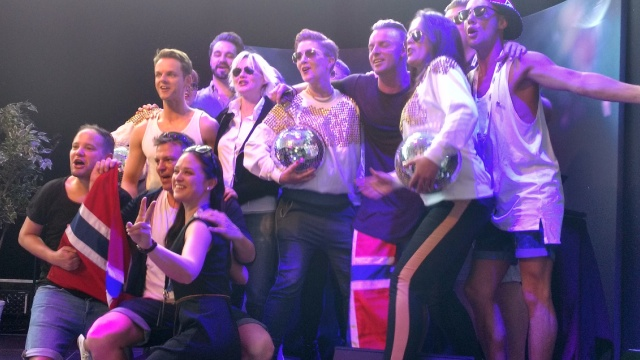 The Hungry Hearts plus enthusiastic Norwegian supporters.