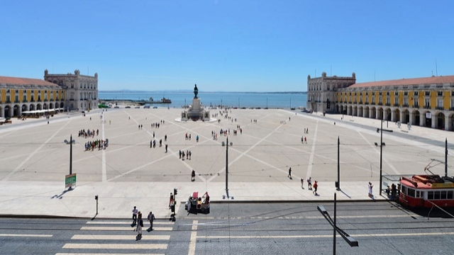 Lisbon's TerreiroDoPaco, this could be our EuroVillage.