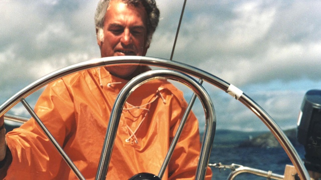 Wyn Hoop at sea